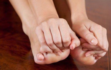 почему болят пальцы ног и как лечить