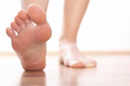 Отек стопы правой ноги причины и лечение