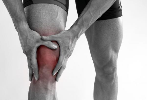 ушиб колена болит под коленом