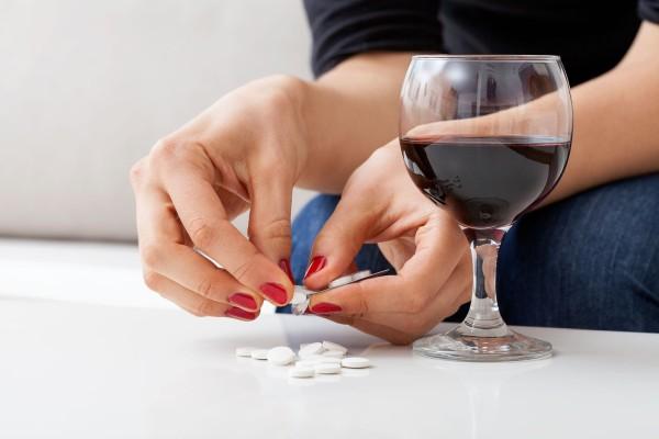 Кагоцел и алкоголь: совместимость, последствия и через сколько можно пить